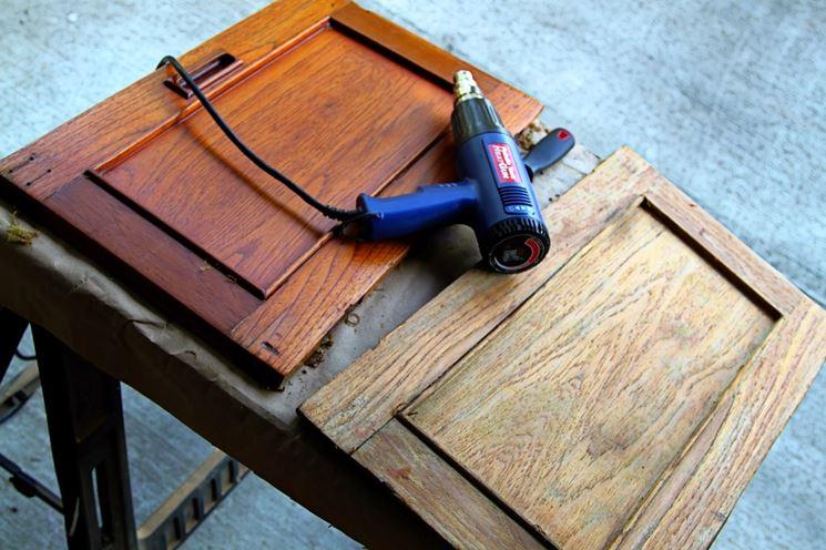 Sverniciare il legno ng4 biological service - Verniciare mobile laccato ...